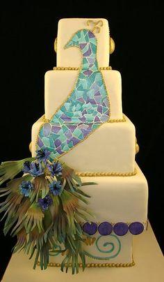 Peacock wedding cake    Keywords: #peacockweddings #jevelweddingplanning Follow Us: www.jevelweddingplanning.com  www.facebook.com/jevelweddingplanning/