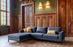 Szara sofa modułowa Coma II, z bocznym szezlongiem. Dostępna w różnych rozmiarach i wielu konfiguracjach modułów. Sofa, Couch, Furniture, Home Decor, Settee, Settee, Couches, Interior Design, Sofas