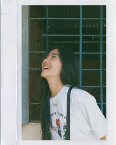 Image may contain: 1 person Aesthetic Women, Aesthetic People, Aesthetic Girl, Ulzzang Korean Girl, Cute Korean Girl, Teen Girl Photography, Uzzlang Girl, Girly Pictures, Girls Image