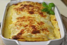 Lasanha de atum, prática e económica Lasagna, Pizza, Menu, Cheese, Cooking, Ethnic Recipes, Food, Lasagne Recipes, Tasty Food Recipes