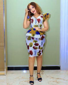 kitenge designs 2019 for African women - designs Latest African Fashion Dresses, African Dresses For Women, African Print Dresses, African Print Fashion, African Attire, African Women, Latest Ankara Short Gown, Ankara Short Gown Styles, Short Gowns