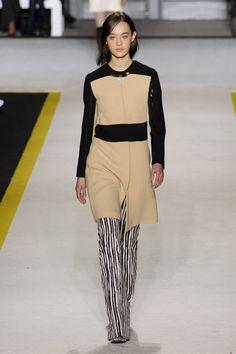 Giambattista Valli at Paris Fashion Week Fall 2015 | Stylebistro.com
