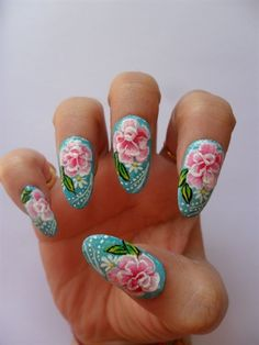 pretty roses nail art from Nail Art Gallery @NAILS Magazine