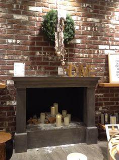 Oltre 1000 idee su camino con candele su pinterest - Camini decorati per natale ...
