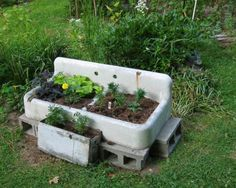 Okay, its hideous, but neighbors haven't complained (at least not yet). Ruth Dobsevage This is SO country or when people reused things! Fine Gardening, Garden Soil, Container Gardening, Garden Junk, Little Gardens, Small Gardens, Garden Crafts, Garden Projects, Garden Ideas