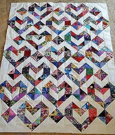 Hearts - Picture 2 of 4 Uses HST easyIt is a quilt top only and not a finished quilt. This is a gorgeous quilt top that has been machine sewn and neatly pressed. I have more similar blocks for sale that you can make larger quilt or you can add the bo Scrappy Quilt Patterns, Heart Quilt Pattern, Patchwork Quilt, Scrappy Quilts, Easy Quilts, Quilt Top, Quilt Blocks, Chevron Quilt, Half Square Triangle Quilts Pattern
