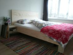Bedombouw van underlayment / plywood. Eigen ontwerp zonder zichtbare schroeven…
