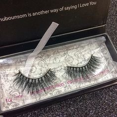Can we just talk about how gorgeous Nubounsom's Persian lashes are? ❤ #flatlay #makeup #beauty #likeforlike #followforfollow #followtrain #makeupblogger #beautyblogger #blogger #inspiration #instagood #motd #ootd #photography #bbloggers #swatches #instabeauty #followme #makeupflatlay #beautyguru #beautyqueen #makeupmafia #fabfitfun #hair #maccosmetics #nubounsom #kyliecosmetics  #sephora #ulta #beautyblogger