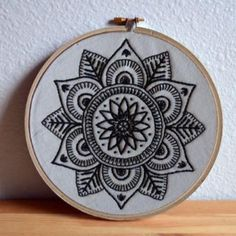 Discover thousands of images about Free Project - Black Mandala Diy Embroidery Designs, Floral Embroidery Patterns, Embroidery Hoop Art, Crewel Embroidery, Cross Stitch Embroidery, Cross Stich Patterns Free, Blackwork Cross Stitch, Bordados E Cia, Embroidery On Clothes