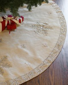 A combined tones of ivory, jewels, and rustic fabric, this Jute Snowflake Tree Skirt from Balsam Hill embellishes your Christmas tree with elegance. Balsam Hill Christmas Tree, Diy Christmas Tree Skirt, Xmas Tree Skirts, Christmas Sewing, Noel Christmas, Homemade Christmas, Christmas Projects, Diy Weihnachten, Tree Toppers