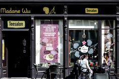 Madame Wu: In der Altstadt 13 findet sich Helen Wus Teesalon. 150 verschiedene Sorten - vom hübschen Blumentee bis zum besonderen Oolong - kredenzen sie und ihr Team in dem Salon. Tee darf auch getrunken werden, wenn's draußen heißer wird. Besonders ist, dass man bei Madame Wu auch originale Teezeremonien feiern und Teeseminare besuchen kann. (Bild: Weihbold)