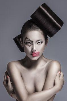 "/ Photo ""Cube"" by Ilya Ratman Creative Hairstyles, Unique Hairstyles, Fantasy Hairstyles, Makeup Gallery, Avant Garde Hair, Fantasy Make Up, Crazy Makeup, Crazy Hair, Professional Hairstyles"