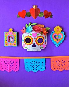 A compilation of photos and ideas to decorate for halloween. Simple and beautiful.