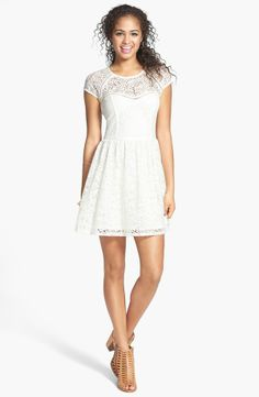 Short with lace
