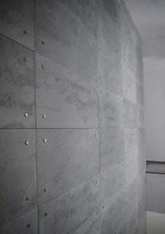 Ściany z betonu architektonicznego   architektoniczny-beton.pl Concrete Tiles, Concrete Design, Interior Stairs, Office Interior Design, Exterior Wall Panels, Concrete Interiors, Beton Design, Tv Wall Design, Wall Finishes