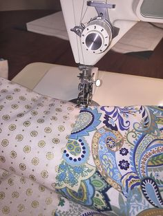 Quilting 101: An Easy DIY Picnic Quilt