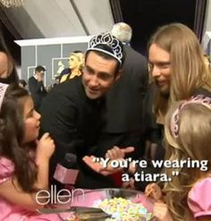 Adam Levine Wears a Tiara While Hanging Out With Sophia Grace and Rosie (VIDEO)