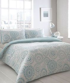 Add a hint of colour to your bedroom d cor with this 'Oslo' bedding set from The Collection Home. It has a beautiful geo print all over on contrasting white and aqua backgrounds and comes with matching pillowcases.