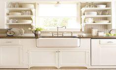 20 Farmhouse White Kitchen Design and Decor Ideas #whitekitchendesigns