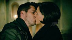 """He's not her Robin.  6x12 """"Murder must foul"""" #OnceUponATime #once #ouat #OutlawQueen"""