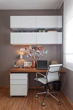 You won't mind getting work done with a home office like one of these. See these 20 inspiring photos for the best decorating and office design ideas for your home office, office furniture, home office ideas Home Office Decor, Room Design, Modern House, Small Office Design, Home Decor, House Interior, Small Room Decor, Home Interior Design, Office Design