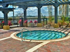 This beautiful Condo has 3 Bedrooms and 2 Bathrooms If you are looking for more fun and excitement from Universal Studios and Islands of Adventure, it is just 7 miles away.