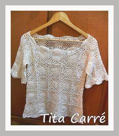 Blusa cru com squares e barrados em crochet