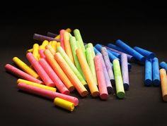 chalk_color_red_teacher_yellow_line_leaf_blackboard-561607.jpg!d (1200×914)