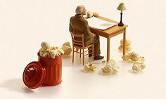 Tanaka Tatsuya è un artista giapponese che realizza meravigliose miniature che raccontano scene quotidiane ma con oggetti assolutamente insoliti.