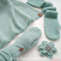 Crochet Gloves Pattern Knit Hats New Ideas Crochet Gloves Pattern, Beanie Pattern, Knitting Patterns, Hairpin Lace Crochet, Knit Crochet, Crochet Hats, Knit Mittens, Knitted Gloves, Baby Girl Crochet