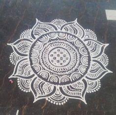 The intricate and beautiful patterns of Rangoli Rangoli Ideas, Rangoli Designs Diwali, Kolam Rangoli, Flower Rangoli, Easy Rangoli, Simple Rangoli Designs Images, Rangoli Border Designs, Beautiful Mehndi Design, Beautiful Rangoli Designs