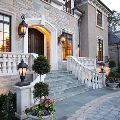 Lanterns on the wing wall: Traditional Exterior gas lanterns at wing walls Design Ideas, Pictures, Remodel and Decor