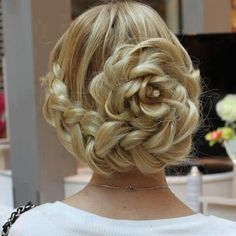 What's the Difference Between a Bun and a Chignon? - How to Do a Chignon Bun – Easy Chignon Hair Tutorial - The Trending Hairstyle Braided Hairstyles Updo, Fancy Hairstyles, Hair Updo, Braided Updo, Wedding Hairstyles, Rose Hairstyle, Bun Braid, Bridesmaid Hairstyles, Wedding Updo