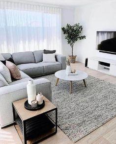 Minimalist Living Room Furniture, Living Room Grey, Living Room Interior, Cozy Living, Barn Living, Modern Minimalist Living Room, Minimalist Decor, Minimalist Style, Interior Design For Small Living Room