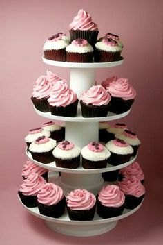 Maybe we can mix Baptism/BDay Cupcakes for Everyone, bt Baby Girl still needs a BDay Cake!