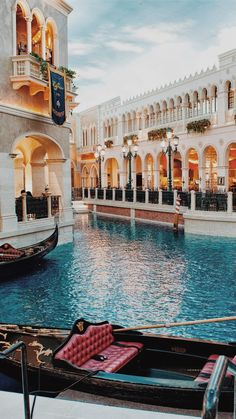 Saw the typical Venice? Want to see something more? Let's dive into secret locations in Venice! Saw the typical Venice? Want to see something more? Let's dive into secret locations in Venice! Venice Travel, Italy Travel, Travel Europe, The Places Youll Go, Places To Visit, Places Around The World, Beautiful Places To Travel, Travel Aesthetic, Travel Goals