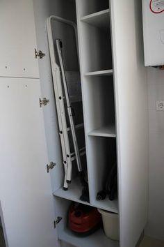 1000 images about cocina y lavadero on pinterest - Mueble para guardar tabla de planchar ...