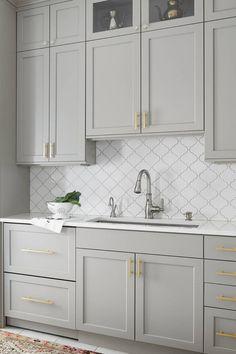Grey Kitchen Designs, Kitchen Room Design, Kitchen Cabinet Colors, Modern Kitchen Design, Home Decor Kitchen, Interior Design Kitchen, Home Kitchens, Blue Gray Kitchen Cabinets, Kitchen Cabinets Over Sink
