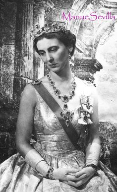 Princess Marina, wearing the Cambridge sapphire parure, sat for several photo portraits by the great Cecil Beaton