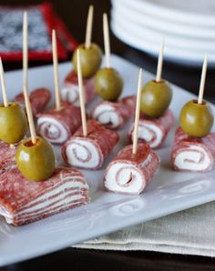 Quick Salami & Cream Cheese Bites - Need to whip up a tasty crowd-pleasing snack or party food quick? Look no further than classic quick Salami & Cream Cheese Bites. With just three ingredients, you can have a platter ready in minutes. Finger Food Appetizers, Appetizer Dips, Yummy Appetizers, Appetizers For Party, Toothpick Appetizers, Halloween Appetizers, Finger Foods For Party, Quick Party Food, Cold Finger Foods