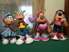 Clay Figures, Bowser, Art For Kids, Mickey Mouse, Nail Designs, Creations, Dolls, Disney Characters, Fabric