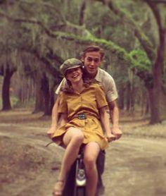 romantic movies Famous people ride bikes too Couple Aesthetic, Film Aesthetic, Retro Aesthetic, Iconic Movies, Old Movies, Indie Movies, Classic Movies, Cute Couples Goals, Couple Goals