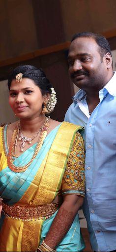 South Indian Jewellery, Indian Jewellery Design, Bridal Jewellery, Jewelry, Saree Blouse, Sari, Unique Colors, Silk Sarees, Blouse Designs