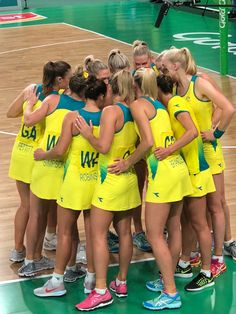 Australian Netball Team Volleyball Quotes, Coaching Volleyball, Volleyball Drills, Volleyball Gifts, Netball Games, Netball Australia, Netball Dresses, College Cheerleading, Photos
