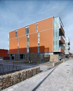 Senior Housing De Dijken 10 by HVE architecten. Nice modern home for old folks. #panelling #housing