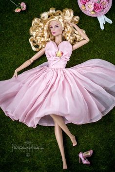 Barbie for big girls. Barbie Gowns, Barbie Dress, Barbie Clothes, Barbie Outfits, Barbie Barbie, Barbie Model, Fashion Royalty Dolls, Fashion Dolls, Barbie Convention