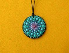 Hand painted mandala pendant Dot Painting On Rocks, Stone Painting, Painting On Wood, Rock Painting, Mandala Doodle, Mandala Dots, Handmade Beads, Handmade Jewelry, Painted Rocks