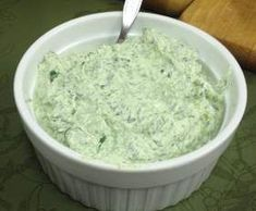Petersilien – Frischkäse – Dip Recipe parsley – cream cheese – dip by Stefanie_Mia – recipe of the category sauces / dips / spreads Cream Cheese Wontons, Cream Cheese Dips, Tailgating Recipes, Tailgate Food, Dip Recipes, Casserole Recipes, Broccoli Cheese Casserole Easy, Hot Crab Dip, Soup Appetizers