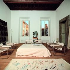 Studio di Cy Twombly, 1969-1970 with metal Wassily chairs
