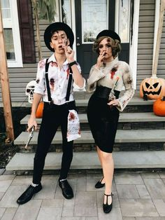 Costume Halloween, Creepy Halloween Party, Couples Halloween, Fete Halloween, Trendy Halloween, Halloween 2018, Halloween Makeup, Homemade Halloween, Halloween Customs
